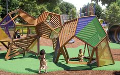 Earthscape Play - CANADA - Bespoke Timber Playscapes