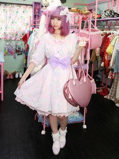 もこ(@moko)のスナップ。ふわふわピンクお気に入りのヘアサロン原宿【Candye♡Syrup】。Candye♡Syrup下北沢きてね♡