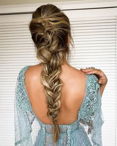80 pretty braid hairstyles you should try now fishtail braid hairstyles hairstyle ideas updo messy updohairstye ponytail hairdown longhairstyle so funktioniert der messy fishtail braid Pretty Braided Hairstyles, Fishtail Braid Hairstyles, Romantic Hairstyles, Wedding Hairstyles For Long Hair, Box Braids Hairstyles, Hairstyle Ideas, Fishtail Braid Wedding, Messy Fishtail Braids, Hairstyle Tutorials