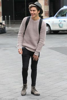 | EX UNION J STAR GEORGE SHELLEY GOES BACK TO WORK AT COSTA COFFEE ! | http://www.boybands.co.uk