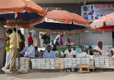 Money changers in Somaliland | par Eric Lafforgue