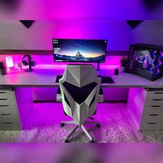 gorgeous 35 Comfy Video Game Rooms Design Ideas For The Beginners Computer Gaming Room, Computer Setup, Gaming Rooms, Computer Technology, Gamer Setup, Gaming Room Setup, Nerd Room, Gamer Room, Office Setup
