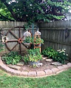 Garten ideen Brenda Townzen's quaint corner, Landscaping On A Budget Artic Garden Yard Ideas, Lawn And Garden, Gravel Garden, Unique Garden Decor, Quaint Garden Ideas, Garden Crafts, Pocket Garden Ideas, Country Garden Ideas, Diy Garden Ideas On A Budget