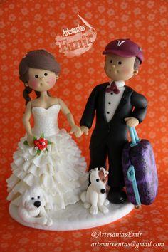 Novios  #masaflexible #porcelanafria #coldporcelain #fimo #arcillapolimerica #polymerclay #handmade #handcrafted #hechoamano #hechoenvenezuela #madeinvenezuela #love #amor #torta #weddingcake #wedding #weddingtopper #caketopper #topedetorta #weddingdesign #Boda #BodasenVenezuela #Novia #Novias #bodasvzla #bodas2014 #noviospersonalizados #novios #ArtesaniasEmir
