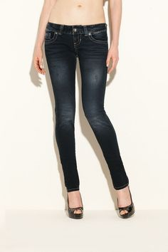 I've found some cool women's denim at Guess today! And my favorite is the DAREDEVIL SKINNY JEANS - BLACKENED DESTROY WASH.This low-rise skinny provides an overall slim fit from hip to ankle. The wide waistband sits low on the hip, giving you an easy-to-wear silhouette that works for every season. No wonder Guess is one of the leading fashion brand nowadays. Their products are superb! Check out their collection and shop for women's denim today…