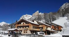 Hotel Orso Grigio Pescul The 4-star Orso Grigio is located right in front of the Civetta ski slopes in Pescul, 3 km from Selva di Cadore. This Dolomites retreat features a wellness centre with 2 Finnish saunas, sensory showers, a Turkish bath and relaxation area.