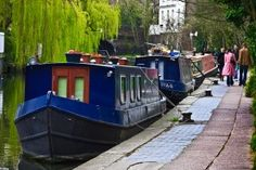 Floating homes – London's houseboats Canal Barge, Canal Boat, Tiny Boat, London Dreams, Regents Canal, Floating House, Narrowboat, Ways To Travel, London Calling