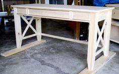 How to build a DIY writer's desk. Tutorial and free plans by Jen Woodhouse   The House of Wood