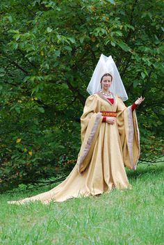 Tailor& - Catany, Burgundian gown, part 1 Medieval Gown, Renaissance Dresses, Medieval Costume, Renaissance Fashion, Medieval Clothing, Gypsy Clothing, Historical Costume, Historical Clothing, 15th Century Fashion