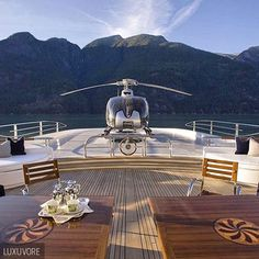 The yacht life. or ? >> @luxuvore for more! #luxuvore