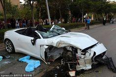 a Fatal Crash Involving a Jaguar F-Type in China 1