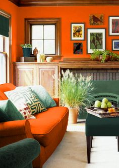 Decor: Orange, blue and gold living room Orange and Blue- why didnt I think of that? Blue And Gold Living Room, Living Room Decor Orange, Living Room Colors, New Living Room, Living Room Designs, Family Room Design, Family Rooms, Mellow Yellow, Apartment Interior