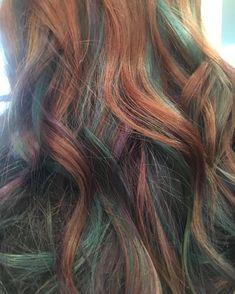 Oil slick hair redhe