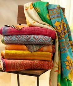 vintage kantha quilts,old style kantha quilts, quilts patterns, handquilted quilts, patchwork and decorative quilt