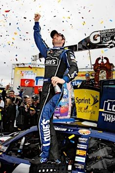 PHOTOS (Oct. 28, 2012): Johnson wins Martinsville, takes points lead. More: http://www.hendrickmotorsports.com/news/photos/2012/10/28/Johnson-wins-Martinsville-takes-points-lead#.