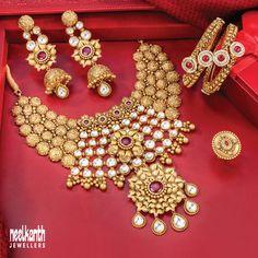 Antique Jewellery Designs, Fancy Jewellery, Antique Jewelry, Bridal Jewelry Vintage, Gold Wedding Jewelry, Gold Bangles Design, Gold Jewellery Design, Indian Jewelry Earrings, Jewelery
