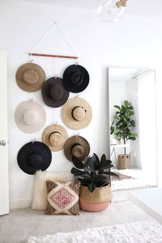 DIY Hanging Hat Organizer is part of Hat Organization DIY - Instead of piling my hat collection make this super easy DIY hat rack, hat Wall Display, hat rack, Hat Organizer for your wall, no hat hooks Diy Hat Hooks, Diy Hat Rack, Hat Hanger, Diy Purse Hook, Purse Rack, Diy Wand, Hanging Hats, Diy Hanging, Hanging Organizer