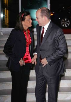 En 2008, toujours aussi complice et rieuse avec le prince Albert - 50 photos pour les 50 ans de Stéphanie de Monaco - Gala