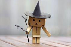 Картонный человечек в шляпе