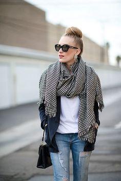 Accessoires femme pour l'automne – l'écharpe et son charme