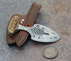 push dagger | Gallery :: Roger Mudbone Jones Knives :: push_dagger_front
