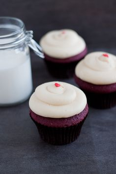 Red Velvet Cupcakes with Cream Cheese Frosting - Swanky Recipes