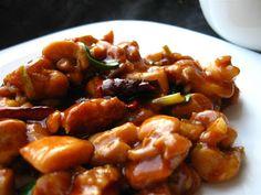 General Tso's Chicken - Din secretele bucătăriei chinezești Tso Chicken, Kung Pao Chicken, General Tso, Asian Recipes, Ethnic Recipes, Pork, Ice Cream, China, Sweet