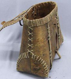 x x x ~ 'Birch bark basket' Native American Baskets, Native American Indians, Willow Weaving, Basket Weaving, Birch Bark Baskets, Birch Bark Crafts, Indian Baskets, Fur Trade, Basket Bag