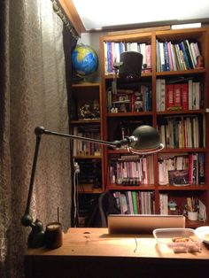 Home office Vintage lamp jielde Vintage Lamps, Industrial Style, Modern Interior, Home Office, Bookcase, Shelves, Home Decor, Light Fixture, Shelving