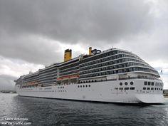 Το Costa Atlantica καταπλέει στον Πειραιά. 28/03/2015.