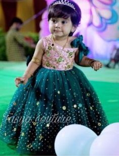 Mom And Baby Dresses, Gowns For Girls, Frocks For Girls, Toddler Girl Dresses, Flower Girl Dresses, Girls Frock Design, Kids Frocks Design, Baby Frocks Designs, Baby Lehenga