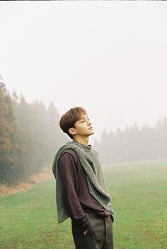 Chen [ April and a flower] Baekhyun Chanyeol, Park Chanyeol, Fandom, Kai, Spirit Fanfic, Luhan And Kris, Kim Jong Dae, Exo Album, Exo Official