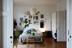 Home Decor For Small Spaces .Home Decor For Small Spaces You can get a large living room with small hall decorating ideas. If you have a hall with a small square meter, your decoration ideas are not l Home Decor Bedroom, Cheap Home Decor, Room Inspiration, Cheap Wall Decor, Home Remodeling, Living Decor, Home Decor, House Interior, Apartment Decor