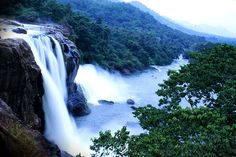 For Nature Lovers : 10 Most Beautiful Waterfalls in India - Holiday bees