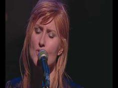 Robert Burns -Eddi Reader     AE fond kiss..lovely scottish folk song...