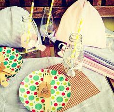 tem mini mochilinha indo para vassouras no feriado! adoro!  #afestanamochila #deixaqueeufaçoasuamochila #penseiebolei #sótãocriativo #ateliedacriança #party #picnic #partydecor #criança #kids #recicle #rustic #retalhos #vintage #planetafeliz #ecofesta #wood #biodegradável #handmade #handmadeparty #craft #comoquandocriança #festinhascaseiras #festinhadobem #festaemcasa #festaantiga