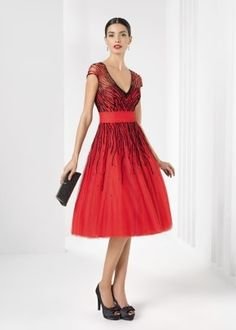Elegantly sophisticated long and short evening gowns for women who want to look the part at cocktail receptions, formal events, and special occasions. Short Dresses, Dresses For Work, Formal Dresses, Holiday Party Dresses, Love Her Style, Capsule Wardrobe, Mother Of The Bride, Evening Gowns, Beautiful Dresses