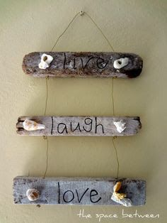 Nature can shape wood into wondrous shapes, and that's especially true for driftwood. How you use driftwood for your beach home is . Read Clever Ways to Use Driftwood for Beach Decor Seashell Crafts, Beach Crafts, Diy Crafts, Driftwood Beach, Driftwood Art, Driftwood Signs, Driftwood Stain, Wood Animals, Reptile Decor