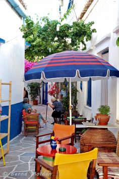 Let us live in colours Magic Circle, Greek Islands, Greece, Scenery, Colours, Patio, Beautiful, Live, Outdoor Decor