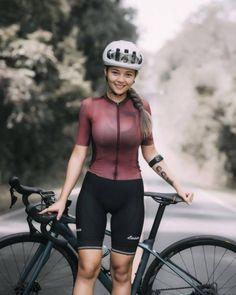 Sexy Older Women, Sexy Women, Female Cyclist, Cycling Girls, Bicycle Girl, Biker Girl, Sporty, Lady