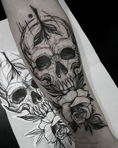 Find the tattoo artist and the perfect inspiration to make your tattoo. Evil Skull Tattoo, Skull Rose Tattoos, Black Ink Tattoos, Body Art Tattoos, Hand Tattoos, Emo Tattoos, Wicked Tattoos, Badass Tattoos, Unique Half Sleeve Tattoos