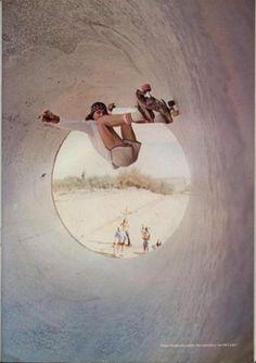 Full Pipe Skateboarding