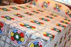 Vintage Crochet Flower Bedspread - Huge King Size 110 x 132. Gotta appreciate the work that went into this one.