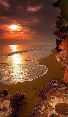 superbe coucher de soleil sur la mer