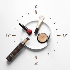 "guerlain: #TuesdayTip #TicToc Follow these steps for a perfect complexion! 1/ After showering slightly warm up the face and neckline with Terracotta Sunless Tinted Self Tanning Gel 2/ Apply Terracotta Joli Teint Foundation all over the face for an immediate healthy glow 3/ Brighten up the face's curves with Terracotta Bronzing Powder: use the brush to draw a ""3"" on both sides of the face starting with the forehead then the cheeks and finally the chin. #FeelTheSun #Beauty #MakeUp #Terracotta"