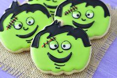 Haniela's: Pumpkin Cookie Cutter Halloween Cookies