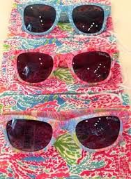 I want these so bad.  Then I could switch between them and my Vera ones