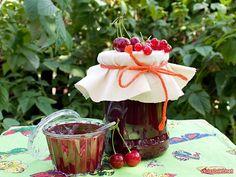 Джем из красной смородины и вишни