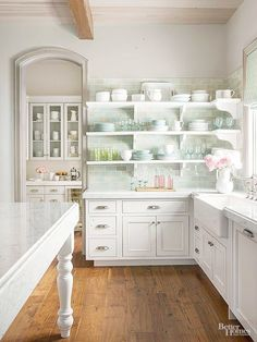 Consider these cornerstones of cottage style to transform your kitchen into a cozy cooking space.\/