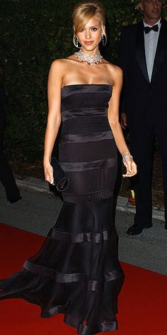 This 2005 Jessica Alba moment at Cannes made our list of the 10 best Cannes dresses of the last decade. See what else we loved as the festival kicks off today!